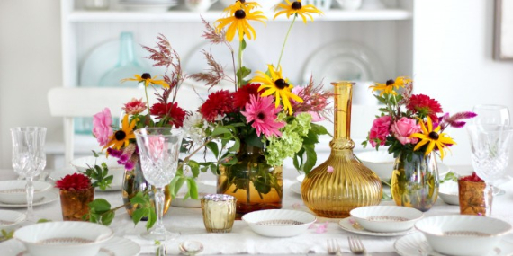 Warm and Inviting Thanksgiving Centerpiece Ideas  (2)