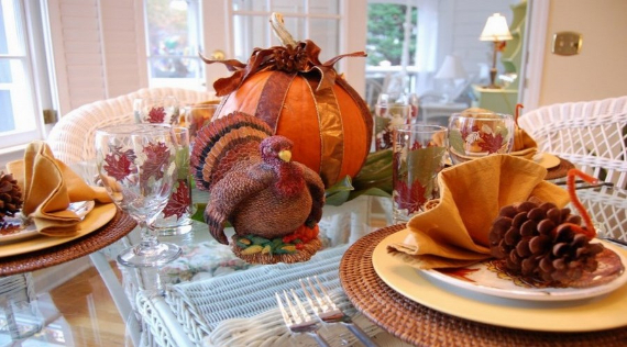 Warm and Inviting Thanksgiving Centerpiece Ideas  (21)