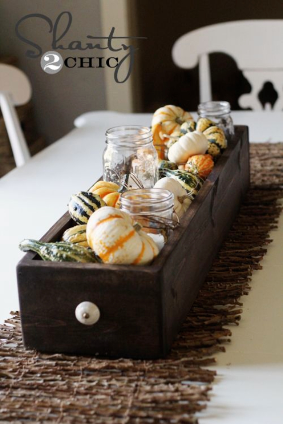 Warm and Inviting Thanksgiving Centerpiece Ideas  (27)