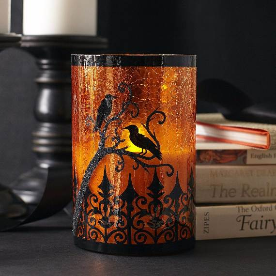 55-Halloween-Decorating-Ideas-Eerie-Elegance-22