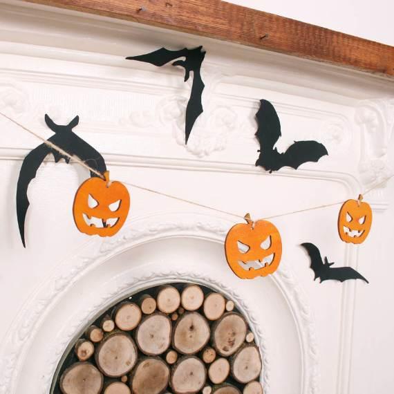 55-Halloween-Decorating-Ideas-Eerie-Elegance-39