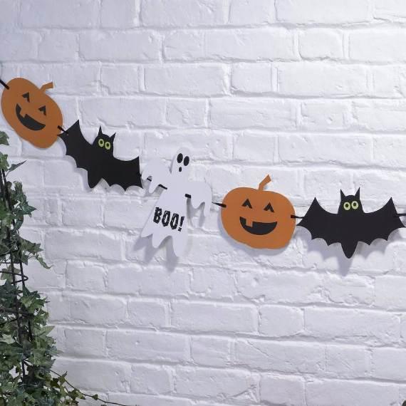 55-Halloween-Decorating-Ideas-Eerie-Elegance-40