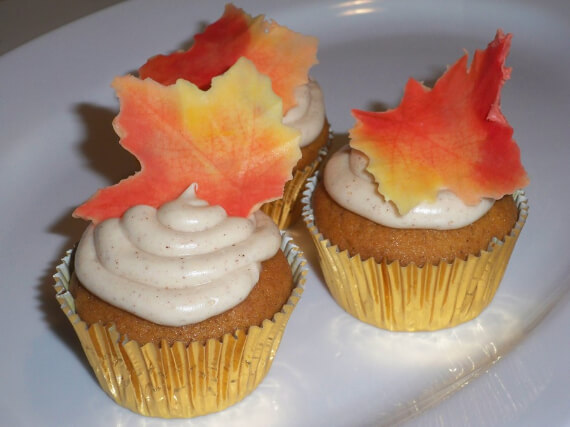 Cute Fall & Halloween Heavenly Holiday Desserts (18)