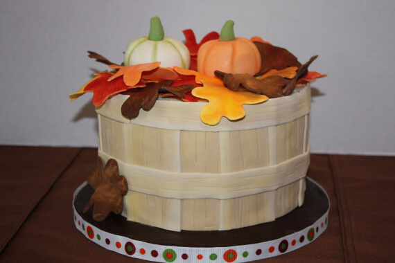 Cute Fall & Halloween Heavenly Holiday Desserts (41)