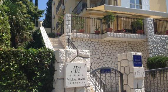 fabulous-contemporary-villa-mare-crikvenica-with-an-elegant-touch-19