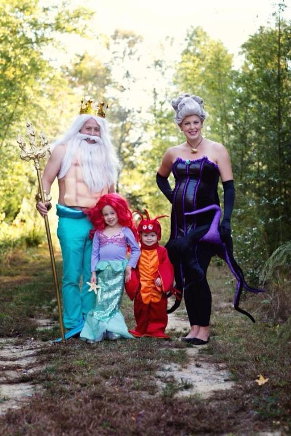 Family Halloween Costumes (42)