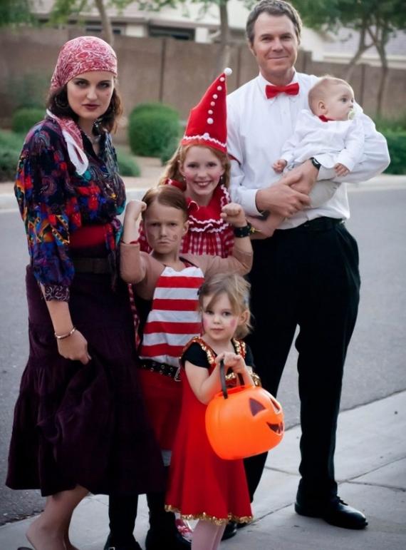 Family Halloween Costumes (57)