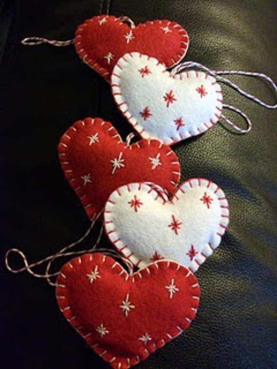 Homemade Felt Christmas Ornament (14)