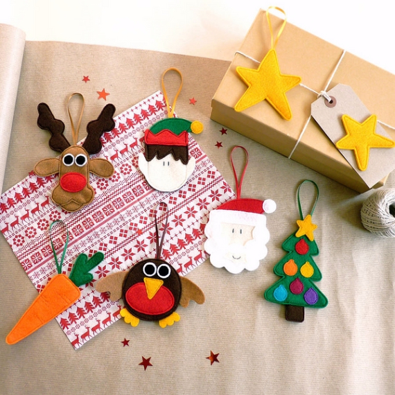 39 cute homemade felt christmas ornament crafts to trim for Homemade decorations