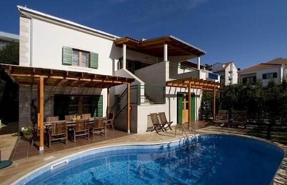 liza-villa-unbelievably-beautiful-contemporary-home-10