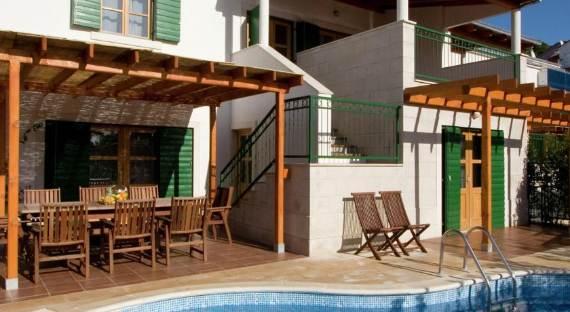 liza-villa-unbelievably-beautiful-contemporary-home-3