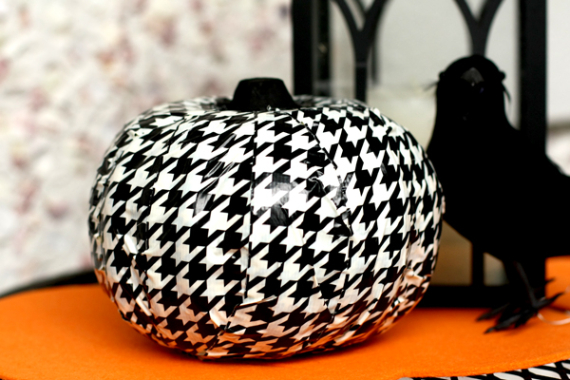 New Ways to Decorate Your Halloween Pumpkins (36)