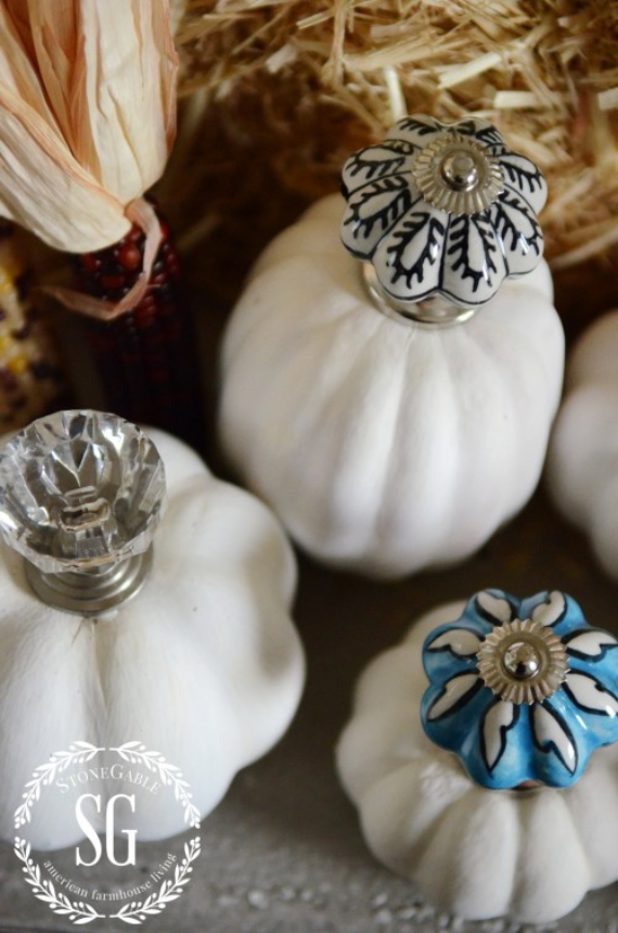 New Ways to Decorate Your Halloween Pumpkins (57)