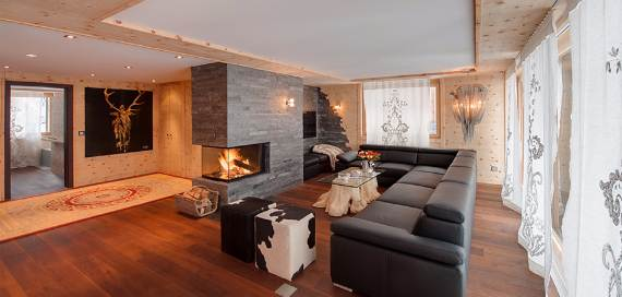 a-home-away-from-home-a-stylish-and-personal-retreat-called-chalet-high-7-jewel-1