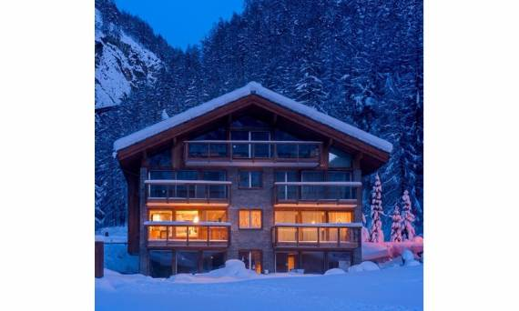 a-home-away-from-home-a-stylish-and-personal-retreat-called-chalet-high-7-jewel-11