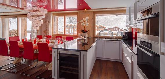 a-home-away-from-home-a-stylish-and-personal-retreat-called-chalet-high-7-jewel-3
