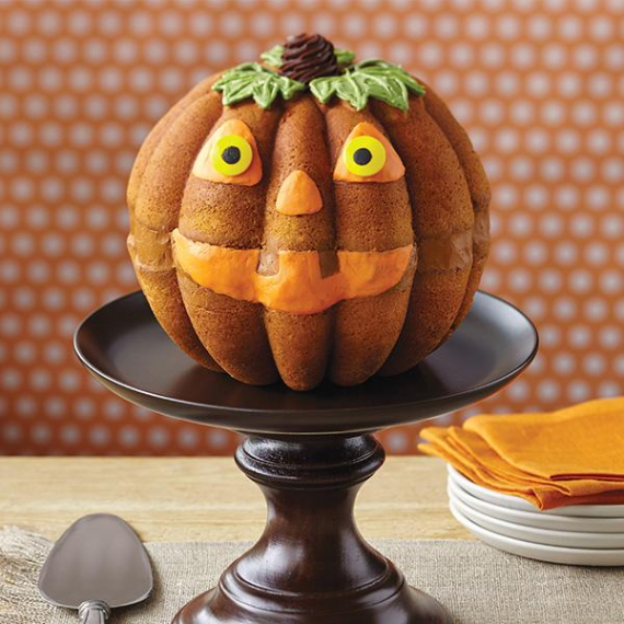 Cute & Non scary Halloween Cake Decorations (33)