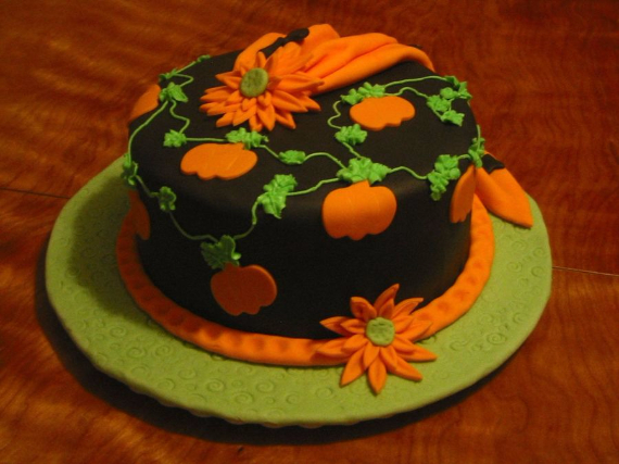 Cute & Non scary Halloween Cake Decorations (4)