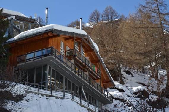 delightful-home-amplifying-the-beauty-of-its-surrounding-the-heinz-julen-loft-2