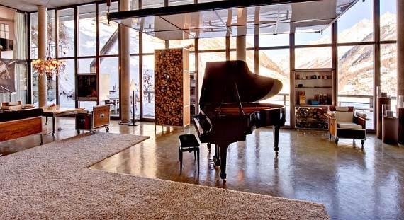 delightful-home-amplifying-the-beauty-of-its-surrounding-the-heinz-julen-loft-23