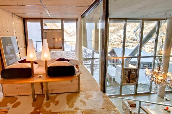 delightful-home-amplifying-the-beauty-of-its-surrounding-the-heinz-julen-loft