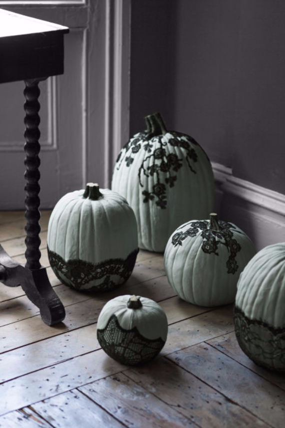 Ways to Decorate for Fall, Halloween and Thanksgiving With Pumpkins (12)