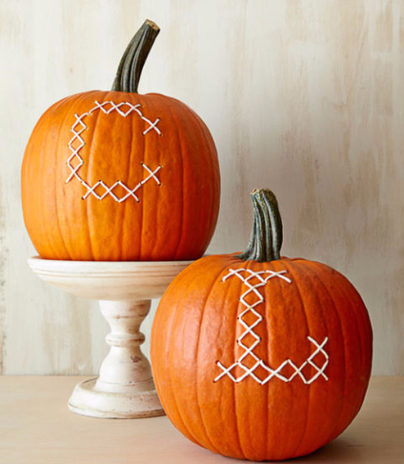 41 ways to decorate for fall halloween and thanksgiving for How to decorate a pumpkin for thanksgiving