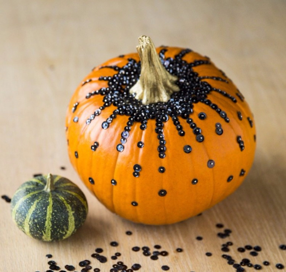 Ways to Decorate for Fall, Halloween and Thanksgiving With Pumpkins (34)