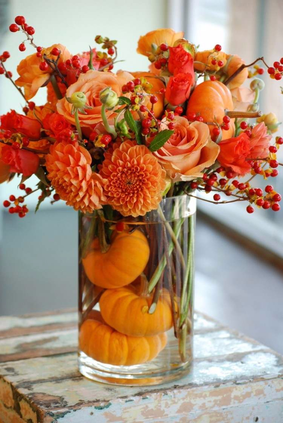 Ways to Decorate for Fall, Halloween and Thanksgiving With Pumpkins (38)