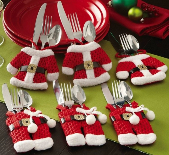 Christmas Dining Table Decor In Red And White  (14)