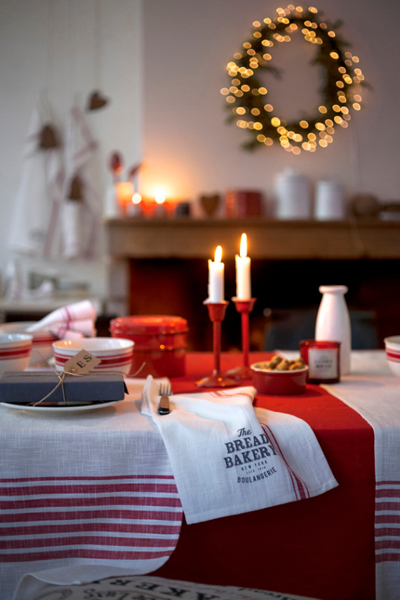 Christmas Dining Table Decor In Red And White 6