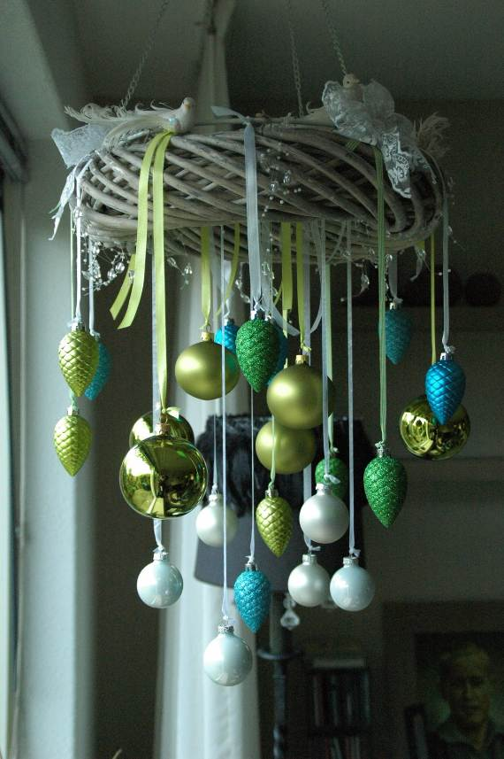 Christmas-Pendant-Lights-and-Chandeliers-2