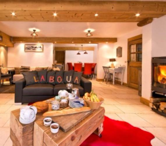 sophisticated-refuge-boua-chalet-with-extensive-views-of-french-alp-4