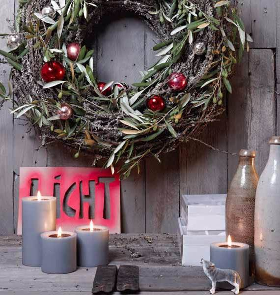 Inspiring-Scandinavian-Christmas-Decorating-Ideas-24