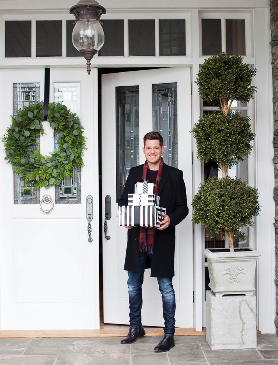 Take a Peek at Michael Bublل's Sleek and Elegant 'Christmas' Home (14)