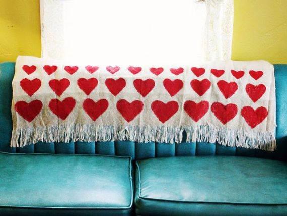 adorably-elegant-interior-valentines-day-decor-ideas-75