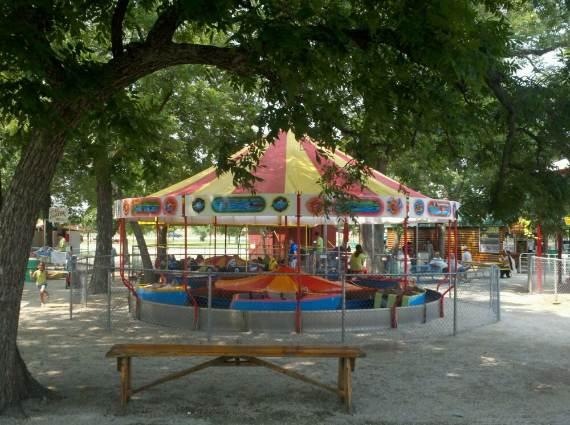Family-fun-Sandy-Lake-Amusement-Park-12
