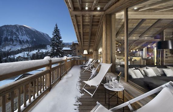 Holidays in French Alps Chalet Syrma A private ski chalet (1)