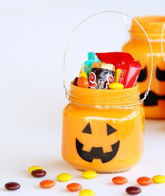 Best Halloween Decorating Ideas for Your Holiday Home (4)