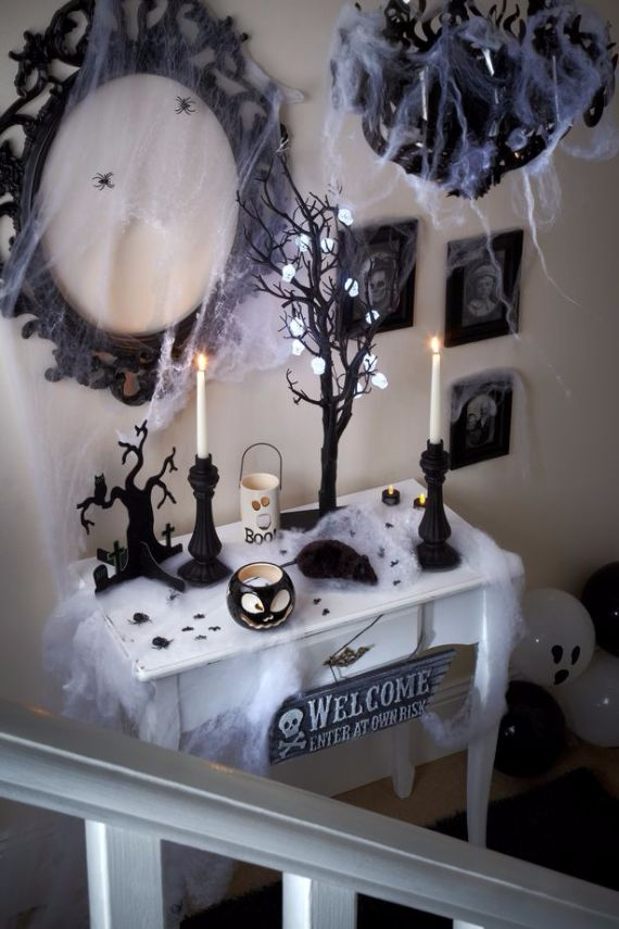 Elegant Gothic, Ghastly & Gory Halloween Decorations (2)
