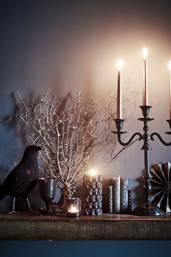 Elegant Gothic, Ghastly & Gory Halloween Decorations (5)