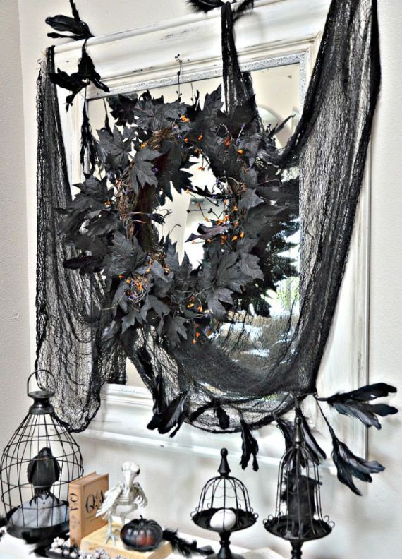 Elegant Gothic, Ghastly & Gory Halloween Decorations (9)