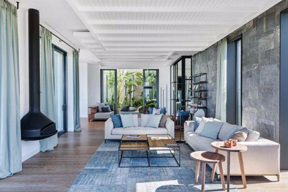 Magnificent Mediterranean Villa Incorporating Dedicated Outdoor Spaces in Turkey (15)