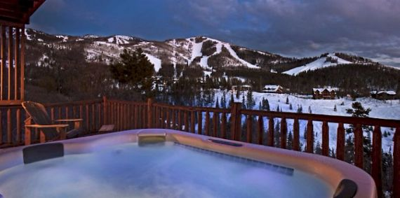 Amazing Mountain High Chalet Integrating Modern Life Perks in Colorado (15)