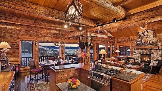 Amazing Mountain High Chalet Integrating Modern Life Perks in Colorado (3)