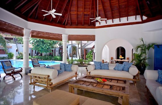 Attractive Beachfront Villa on the West Coast of Barbados - Greensleeves (11)