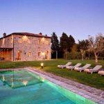 Minimalist Villa in Italian landscape Offers Expansive Valley Views