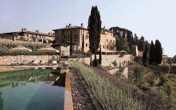 casa-biondi-minimalist-villa-in-italian-landscape-11