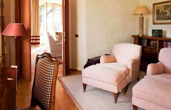 casa-biondi-minimalist-villa-in-italian-landscape-4