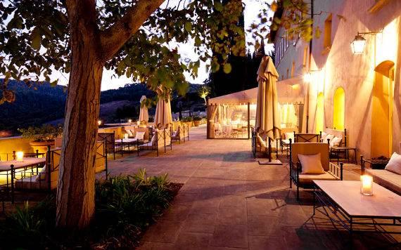 Casa Biondi Minimalist Villa in Italian landscape  (5)